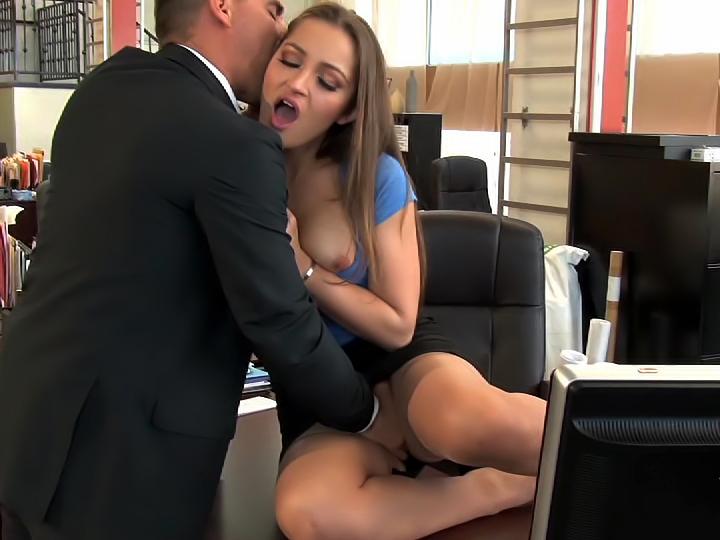 Big booty ebony mama