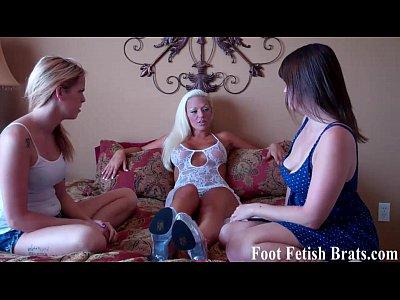 Free lesbian foot fetish