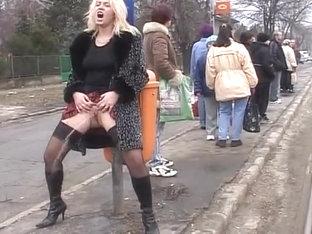 Zaya cassidy zorra en medias de rejilla patines cogida duro