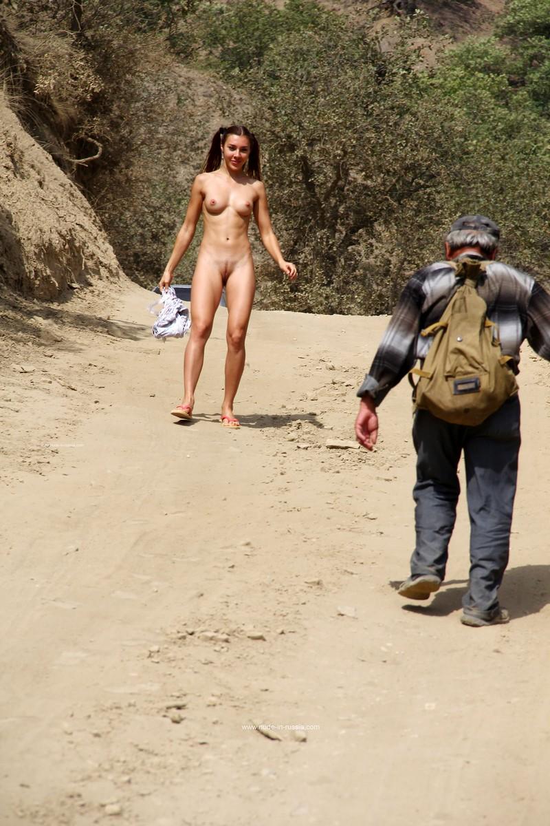Jana nude in public