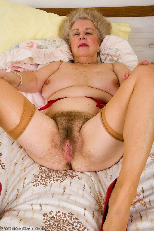 Wife sucking strangers dicks on public nude beach cap XXX