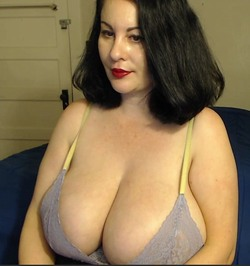Fat mature betty boobs in red fishnet getting nasty
