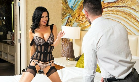Veronica avluv in stockings and high heeled boots gets ass