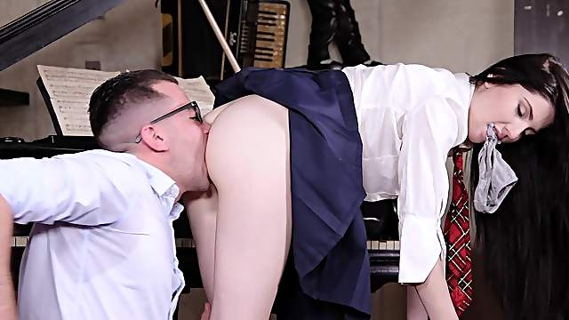 Teacher gets big cock in ass porn tube