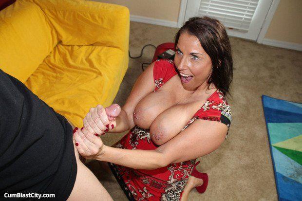 Cumblastcity midget mom handjob