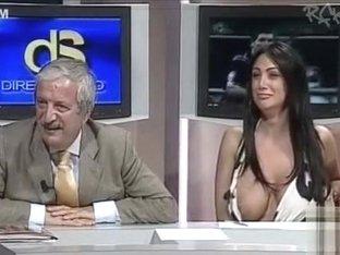 Nipple slip free porn tube