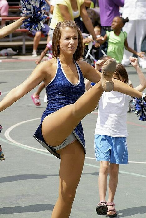 Cheerleader pussy picture