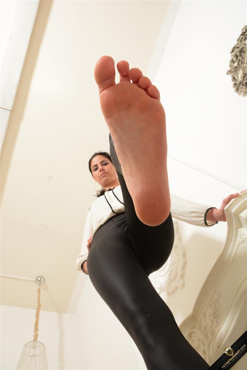Really hot brunette on foot porn gallery tags foot fet