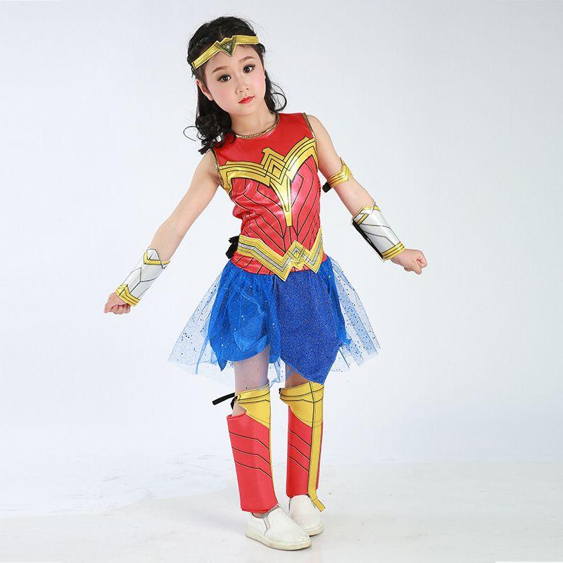 Wonder woman cosplay superheroes pictures