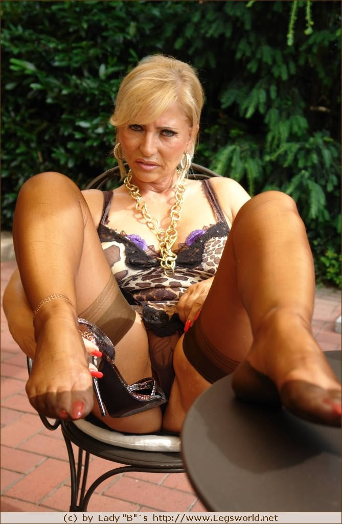 Lady b legs world