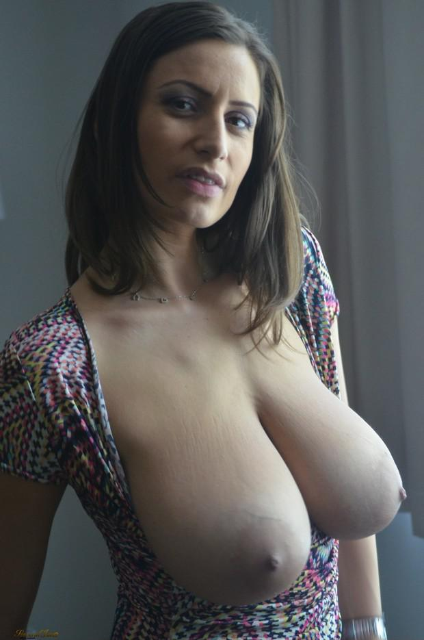 Girls with huge titts