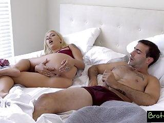 Hermanastra vídeos porno de hermanastra gratis