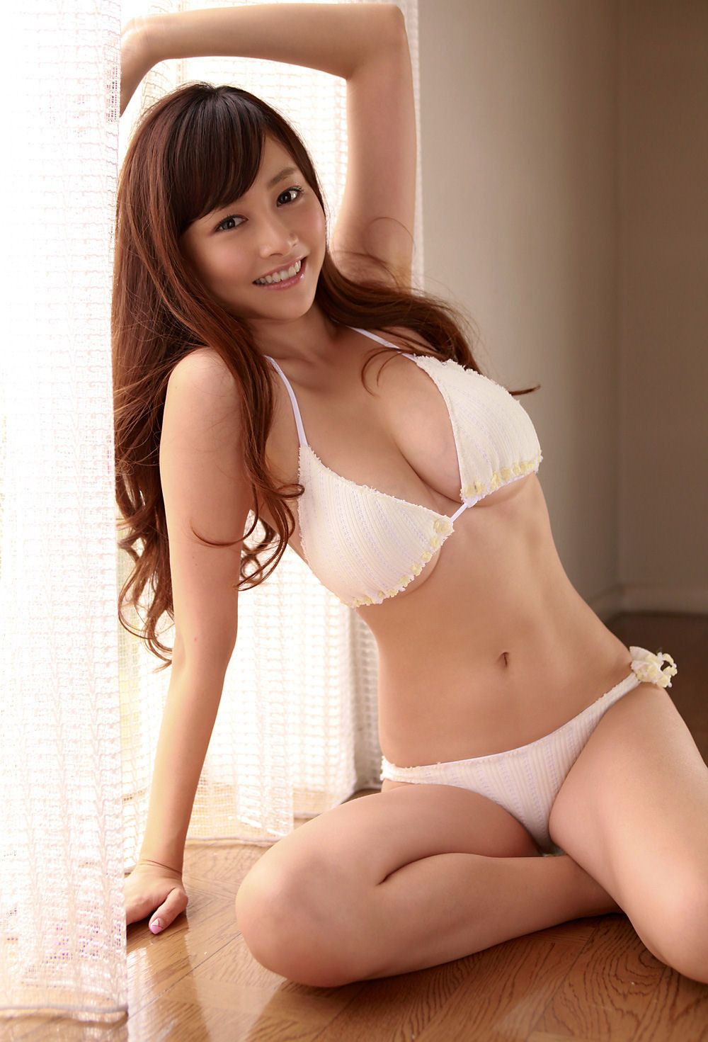 Japanese gravure idol massage free videos watch