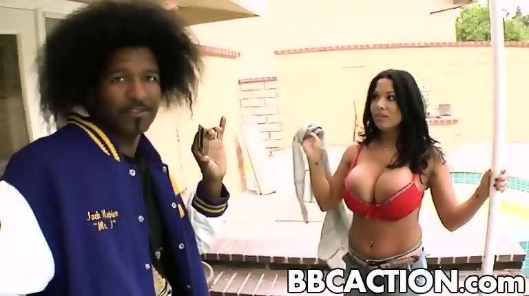 Samantha ryan seduces and fucks heather starlet
