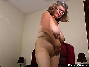 Mature older ladies in pantyhose
