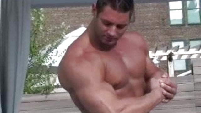 Muscle worship mike buffalari and sam rizzo free sex