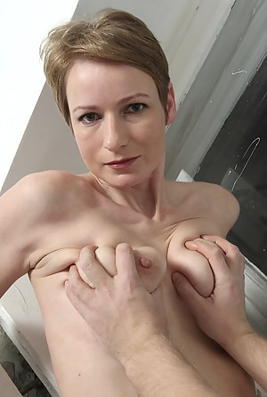 Plus size nude pictures XXX