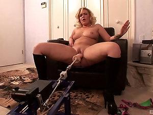 Women fucking sex toys